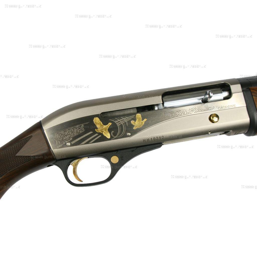 SIX12 is a 6round 12gauge   SIX12 Modular Shotgun