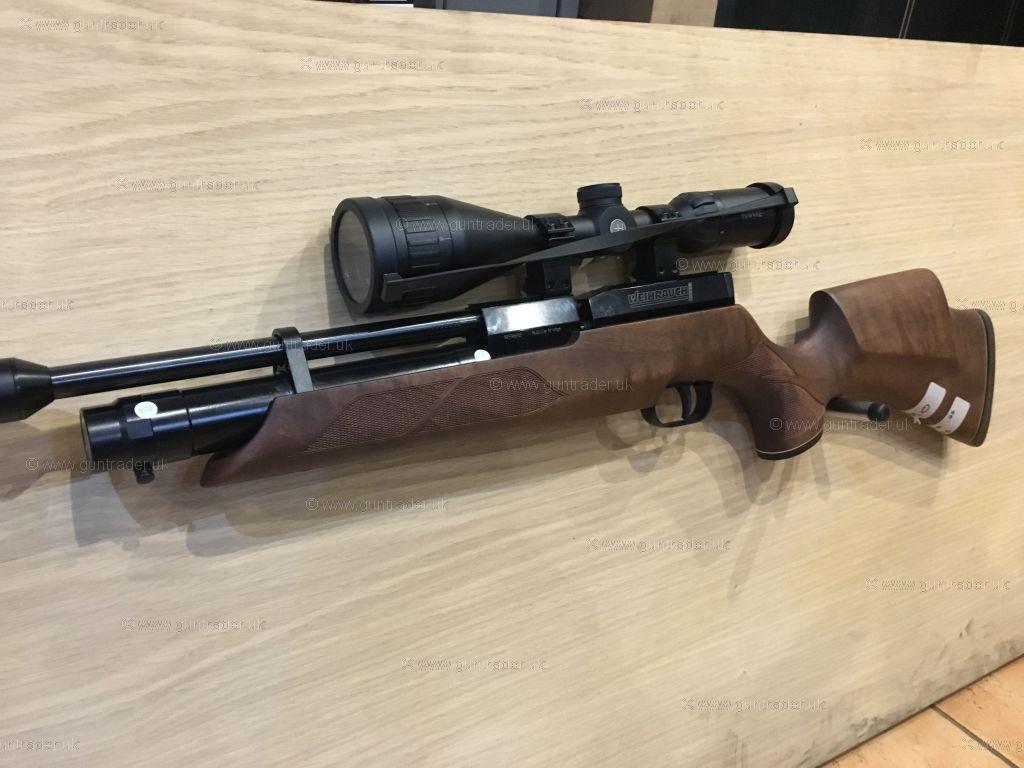 Weihrauch HW 100 Carbine Thumbhole Walnut