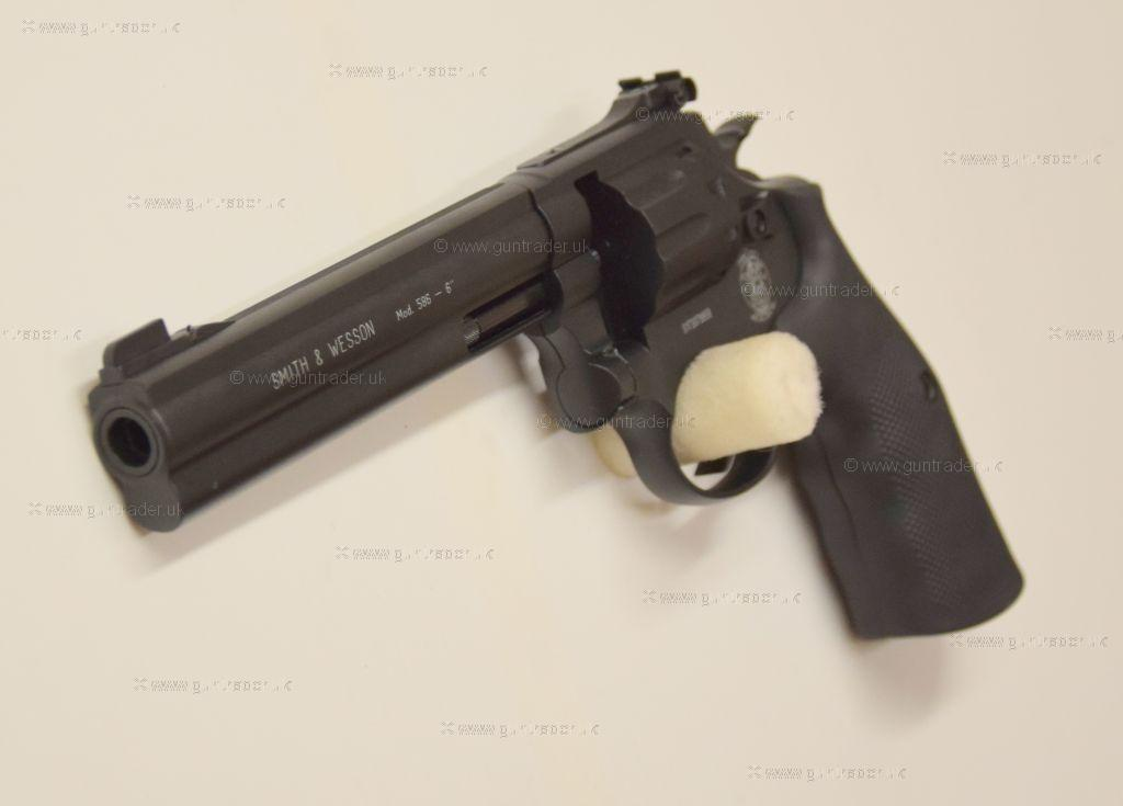 Smith Wesson 177 586