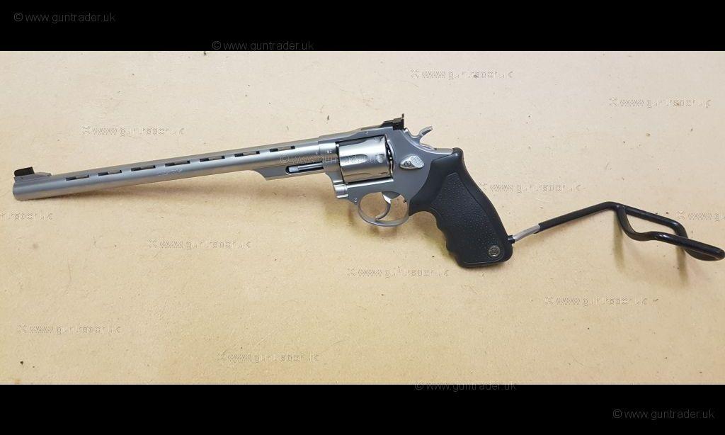 Taurus  38/ 357 Magnum 66