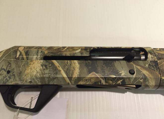 Benelli 12 gauge Super Black Eagle II