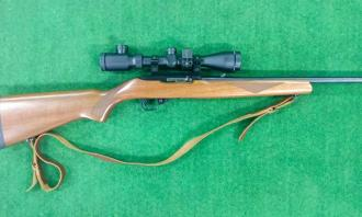 Ruger .22 LR 10/22 Delux Walnut Blued - Image 1