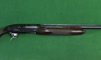 Browning 12 gauge Gold Hunter - Image 1