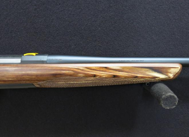 Browning .243 X Bolt Hunter Eclipse (Screw Cut Thumbhole)